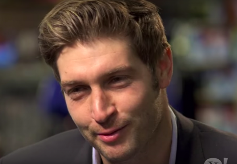 People decide: True star of NFL kickoff is Jay Cutler and his luscious hair